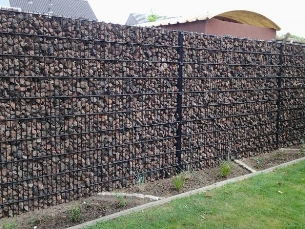 Steenkorven met Donkerblauwe kalksteen 40/63 - LM Hekwerk bvba