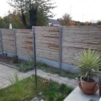 Houten tuinschermen fijn met betonnen palen - LM Hekwerk bvba