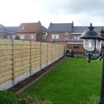 Houten tuinschermen horizontaal recht, Hoogte 180cm incl. betonplaat stalen paal houtbekleed - LM Hekwerk bvba