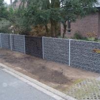 Steenkorven met stalen palen, Hoogte 160cm - LM Hekwerk bvba