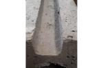 Betoneindpaal met gat diam. 80mm - Rabat 40cm x L. 90cm